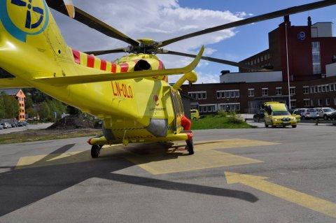 Ved behov for akuttbehandling når været ikke tillater helikoptertransport (dette skjer ofte), vil utrykningstida med ambulansebil og ambulansebåt øke vesentlig i forhold til normal reisetid, skriver Magnar Bakksjø i leserbrevet.