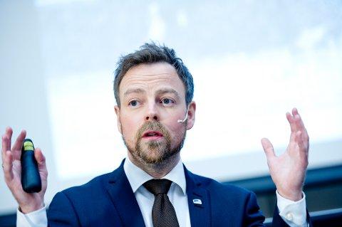 Næringsminister Torbjørn Røe Isaksen (H) kommer til Mo i Rana tirsdag. Foto: Jon Olav Nesvold / NTB scanpix