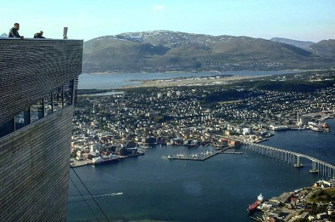 Utsikten fra Fjellstua og fra platået til Fjellheisen er magisk. Men de neste dagene holder de stengt