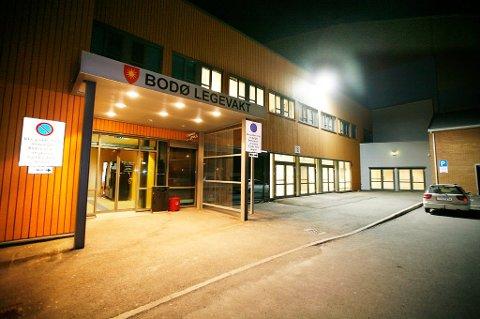 Mange tok kontakt med legevakta i Bodø fredag og lørdag og felles for dem alle var at de hadde vært på samme festen torsdag.
