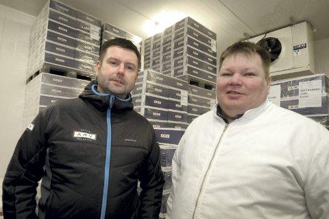 Den første: Tommy Bjørnmyr (t.v.) er den første salgssjefen i Arctic Rein og Vilt, og daglig leder John Anders Lifjell er godt fornbøyd med ansettelsen. Foto: Harald Mathiassen