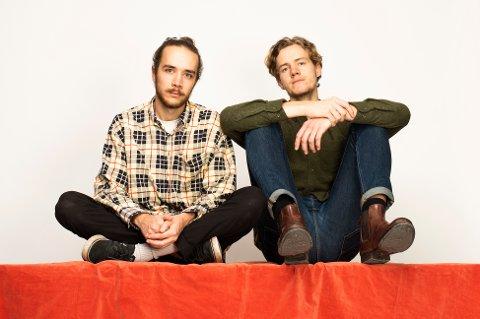 Temporary består av Jonas Utseth Peitersen og Mikael Øgaard.