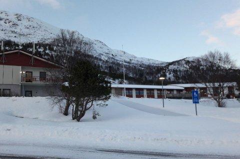 STENGT: En avdeling ved Stonglandet sykehjem på Senja er stengt av og satt i karantene etter at en ansatt har fått påvist koronasmitte. Totalt er 37 ansatte og pasienter nå i karantene.