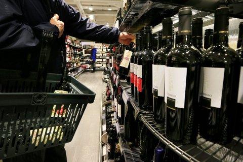 I januar økte prisene på Vinmonopolet med 1,5 prosent, fra 1. mai øker de med 2,4 prosent.
