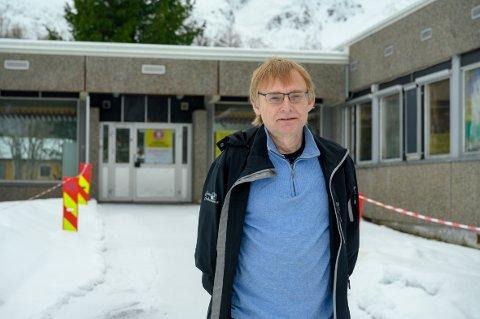 SMITTEVERNLEGE: Øyvind Rømo medisinsk ansvarlig ved koronasenteret på Kippermoen.