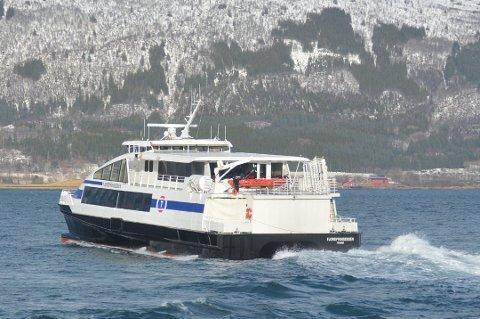 Svein Erik Berg mener smittevernreglene om bord på Fjordprinsessen ikke følges opp av besetningen.