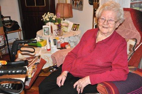 Borghild Nordby døde i natt. Hun ble 107 år gammel. Her fra hennes bursdag da hun fylte 101 år.