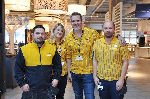 FORNØYDE: Stein Naavik (35), Jannicke Heimland (38), Bernhard Stangel (41) og Stian Haugen (25) er godt fornøyd med bonusen de har fåt utbetalt før juletider.