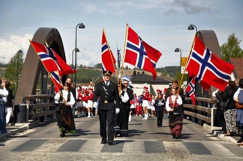 17. mai i Brumunddal: i år blir det felles 17. mai-feiring for alle skolene, i sentrum av Brumunddal.