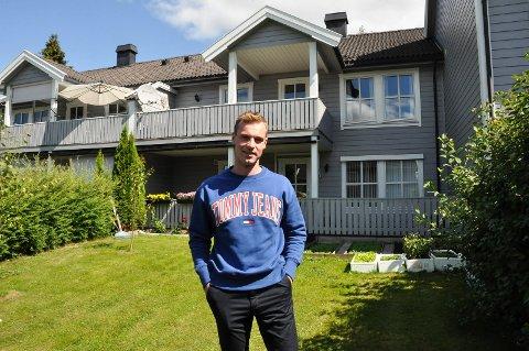 FORNUFTIG: Martin Lagmannssveen Grini (22) kjøpte sin første leilighet i en alder av 18 år, og leier den ut mens han bor hjemme og betaler ned lånet sitt. Leiligheten er på 70 kvadratmeter og ligger ved nye Fagerlund skole.
