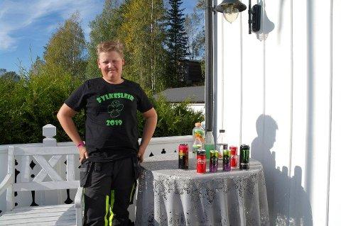 Pant: 11 år gamle Martin samlet inn over 17.000 kroner gjennom panting av bokser og flasker.