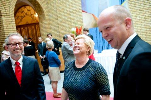Bård Vegar Solhjell (SV), finansminister Siv Jensen (Frp) og partileder Trygve Slagsvold Vedum (Sp)
