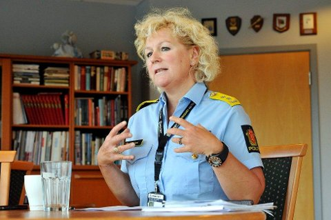 BEKREFTER: Politimester Christine Fossen bekrefter at det vurderes om arresten i Hønefoss skal brukes som sekundærarrest.