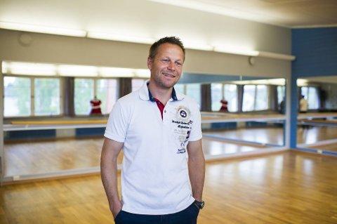 REKORD: Rektor ved Ringerike Folkehøgskole Morten Eikenes opplever enda en rekord: – Vi har aldri fylt opp plassene våre fortere.