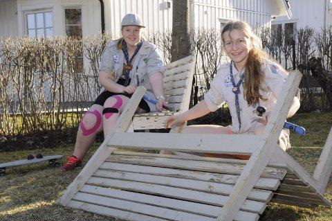 – Her skal det bli fint til jubileum! Ingrid Foslien og Thea Andreassen jobber energisk.