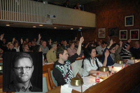 Fremskrittspartiet og Høyre og noen enkeltrepresentanter ønsket lengre skjenketid, men ble nedstemt i kommunestyret.