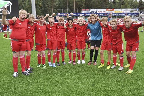 Glade Ulleraal-spillere som er klare for semifinale mot Sundvollen.