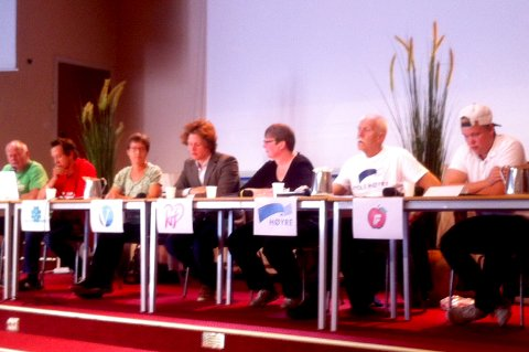 Ikke bare et ungt panel i skoledebatten ved Tyrifjord videregående skole.