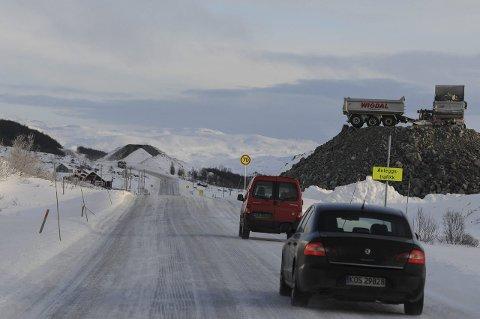 E16 over Filefjell blir rustet opp for 3,1 milliarder for å bli tilnærmet 100 prosent vintersikker. Derfor mener Eivind Brenna (V) det er unødvendig å bruke fem milliarder på å gjøre det samme med Rv.52 over Hemsedalsfjellet.