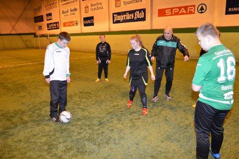 Slutter: Tonny Kristiansen gir seg som trener for FFU-lagene til HBK etter å ha vært med siden oppstarten i 2013.