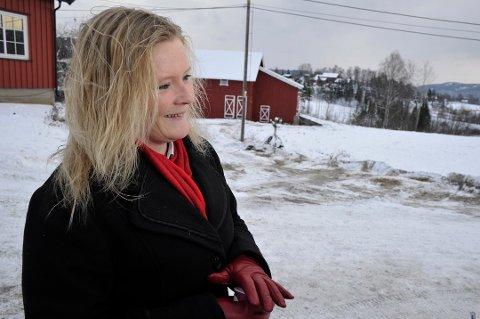 Fylkespolitiker Anne Sandum (Ap) med gladmelding til de videregående skolene.