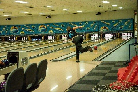 Ringerike bowlingklubb arrangerer NM i slutten av april. Der er Mads Sandbækken et av de lokale håpene.