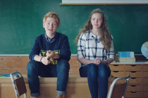 Thomas Kvamme Urnes (15) er en av lærerne i «Den digitale foreldreskolen».
