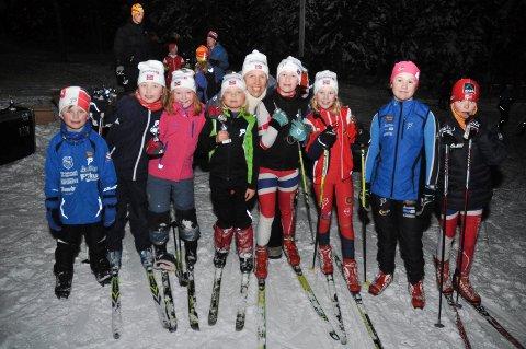 GOD STEMNING: I fjor fikk deltakerne pokaler og landslagsluer i premier etter fullført skikarusell på Ringkollen.