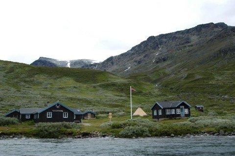 Olav Thon er glad i Torfinnsbu og kjøper turisthytta privat.