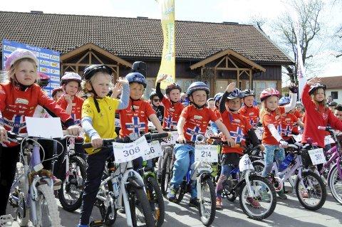 Mange barn og unge tok turen for å delta i Tour of Norway kids.