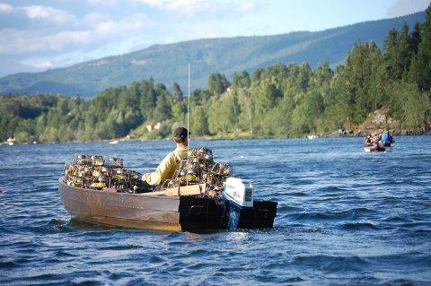Truls Kristensen fisket i år etter kreps på nye steder og tror han fikk igjen for det.