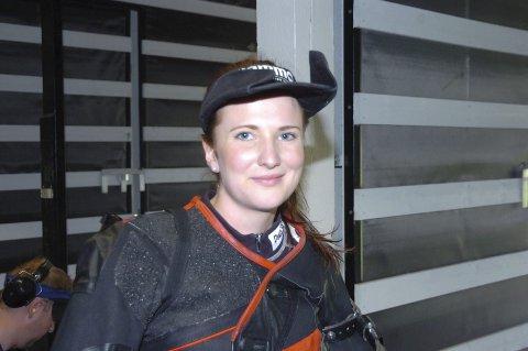 Anne Ingeborg Sogn Øiom fra Randsfjord skytterlag, er tippet blant favorittene til å vinne kongepokalen under årets Landsskytterstevne. I går skjøt hun samlagsskyting for Opland.