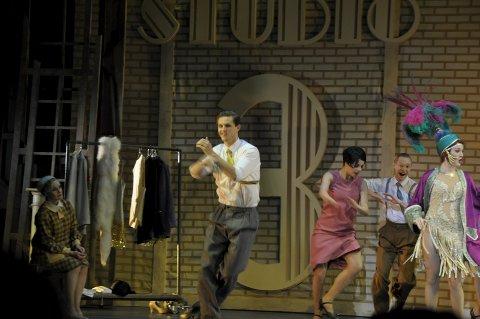 Alexander Langset spilte i «Singin' in the rain». Nå blir han Joe i «Flashdance».