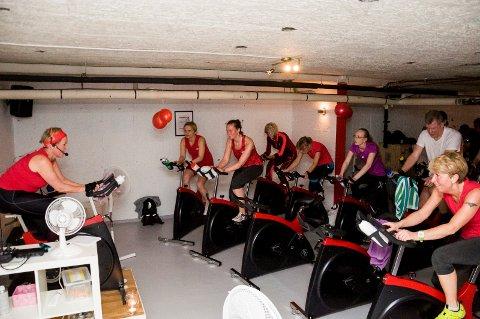 Viktig tilbud: Nye spinningsykler er på plass i lokalene til Friskis & Svettis på Nesbakken. Fem av syklene har også wattmåling.