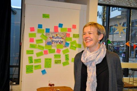 Kulturleder Marja Lyngra Høgås har fått mange innspill fra folk som har vært innom.