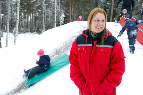 Tjenesteleder for barnehagene i Hole, Ingvild Oppenhagen kan tilby barnehageplass til alle som har rett på det.