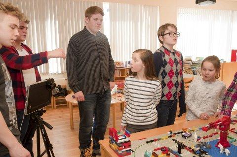 Film: Skolene laget hver sin del av en animasjonsfilm. Tove, Eivind, Anette og Tove syntes animasjon var moro.