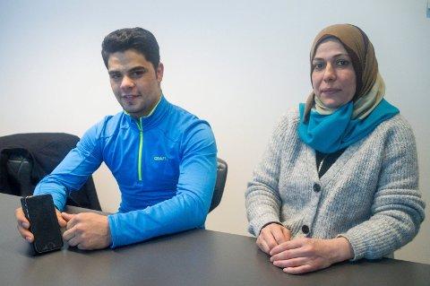 Tamim Khwaja og Huwydah Elwan tror en app med oversatt informasjon vil være til god hjelp for de som sliter med språkutfordringer. De har selv kommet med innspill til prototypen.