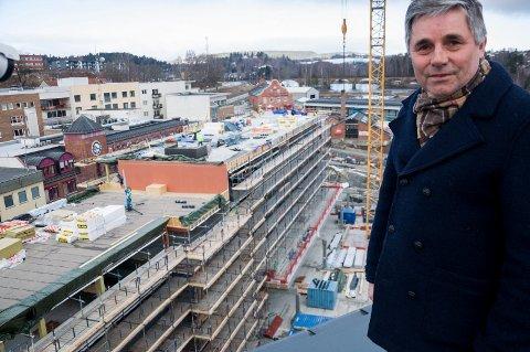Haakon Tronrud er godt fornøyd med salget av leiligheter i Brutorget.
