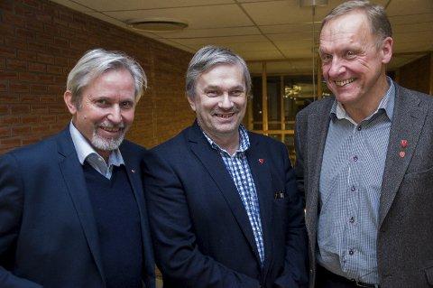 OMDISKUTERT LØNNSJUSTERING: De tre ordførerne Per R. Berger (Hole), Kjell B. Hansen (Ringerike) og Lars Magnussen (Jevnaker) bør få anstendig lønn, mener Eirik Nørgaard.