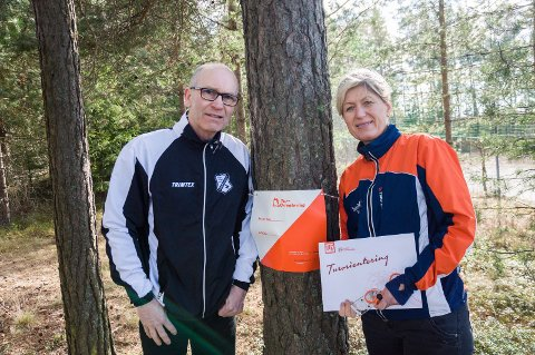 Tom Bondehagen og Sissel Skovly i Fossekallen og Ringerike O-lag tilbyr til sammen 140 turorienteringsposter i år.