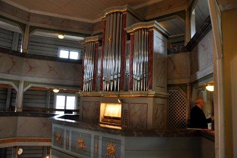 Det nye orgelet er på plass i Jevnaker kirke.