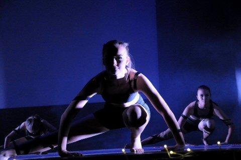 Danserne får fritt spillerom når det danses mot vår.
