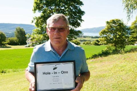 « Hole in one» i golf på Storøya for Kåre Holm.