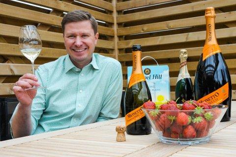 Det sprudler i Nedre Steinsåsen: Thomas Nalum-Utaker fra Hole er Country Manager for Henkell & Co. Prosecco står for 53 prosent av all musserende Vinmonopolet selger.