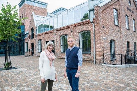 Her er de nye lokalene til Ringerikes Blad. Anne Gro Christensen og Bjørn Harald Blaker ser fram til at lokalavisen flytter i oktober.