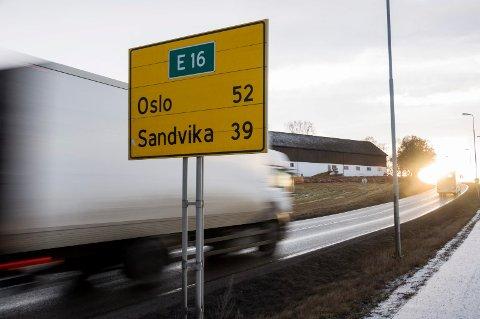 Statens vegvesen har gitt gebyrer for 95.000 kroner til kjøretøyer med for tung last de siste tre dagene. (Illustrasjonsbilde)