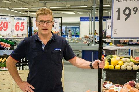 VIL HA LIKE REGLER: Knut Tveter på Rema 1000 mener det må bli matbutikk på Hvervenmoen også, dersom kommunen sier ja til Coop på Hvervenkastet.