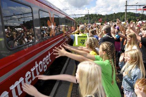 Sommertoget ga god Hønefoss-reklame. Men vi har vært stolte av byen lenge, sier en leser på Direkte linje.