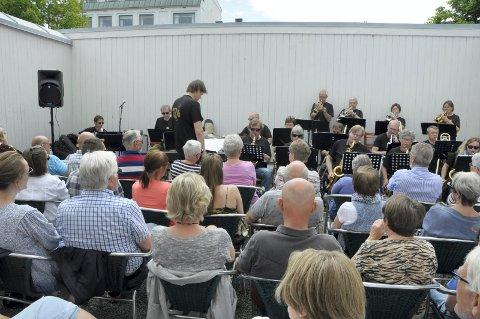 Alltid populært med jazz på Fengselet. Bildet er fra sommerjazzen med Hønefoss Storband på Fengselet for to år siden.
